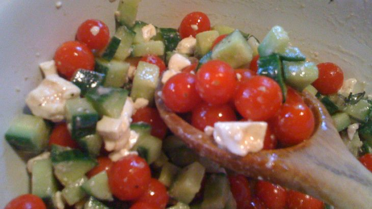 Tomato, Cucumber and Feta Salad | Low carb | Pinterest