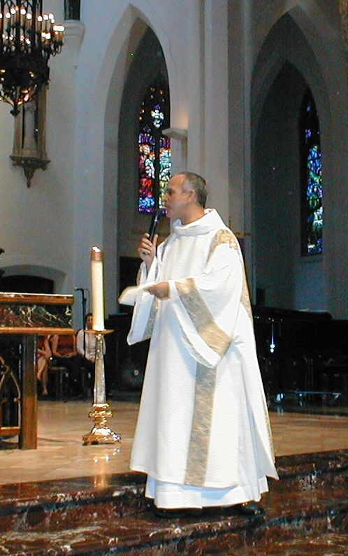 Roman Catholic deacon wearing a - 72.6KB