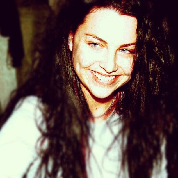 Pin By Marcelle Gon 231 Alves On Amy Lee Amp Evanescence Pinterest