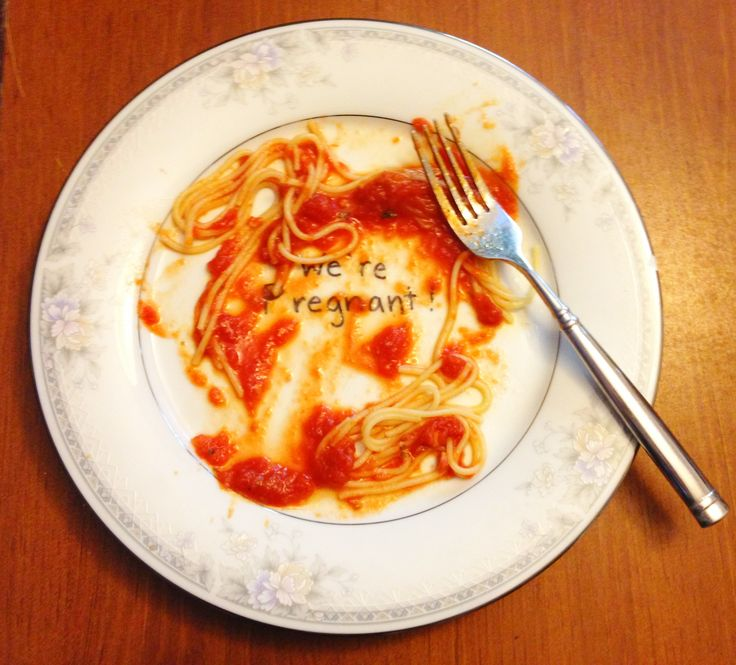 Such a cute idea!! Announce pregnancy to husband by having a plate that says we're pregnant and making his favorite dinner! Then once he eats it, it will reveal your big surprise! I Am SO doing this!!
