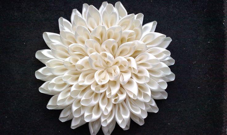 Хризантема из атласных лент мастер класс
