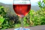 010 – Se conoce como Vinos Rugor a un especial...  (A) – Blanco Añejo  (B) – Rosado  (C) – Tinto Joven