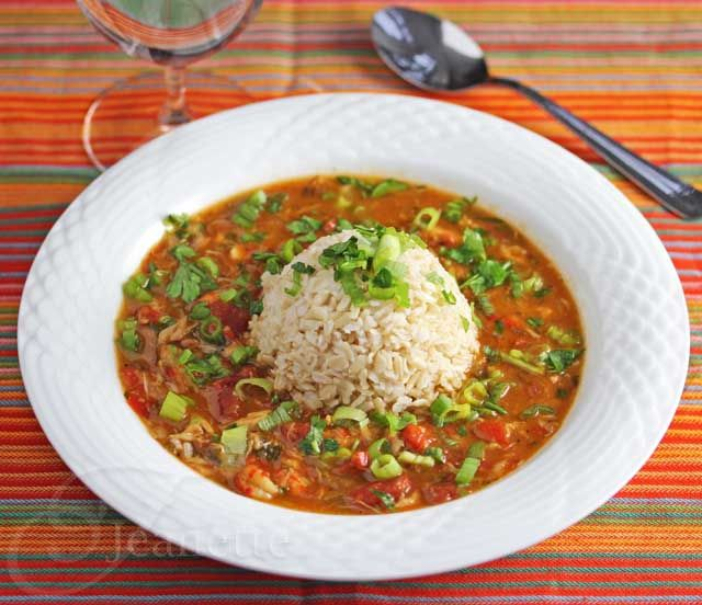 You must try this Healthier Crawfish and Crab Gumbo (gluten-free) #glutenfree