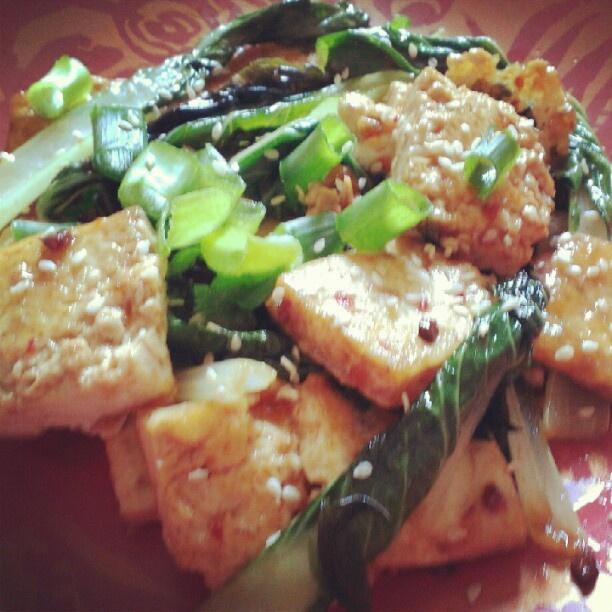 MMMM.....Tofu with Thai Basil Stir-fry | Yummy Vegan Food | Pinterest