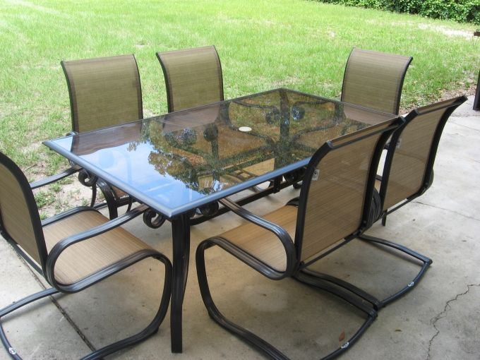 Hampton Bay patio table and 6 chairs HOME