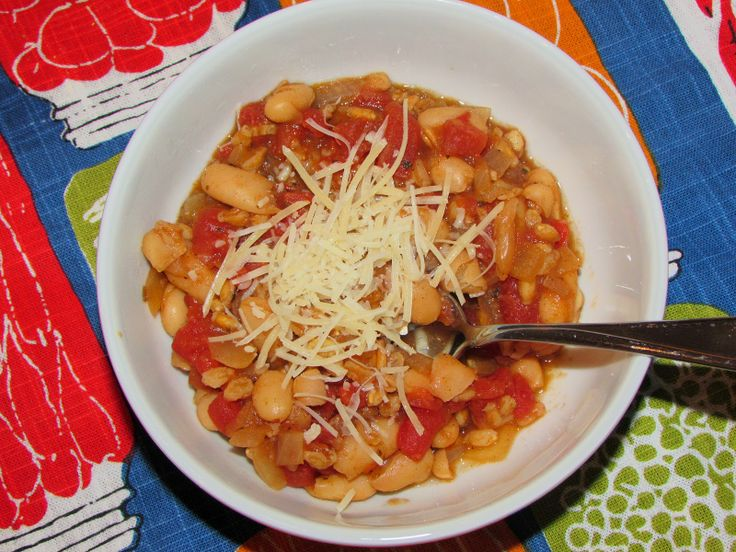 Tomato Stew with Toasted Farro and White Beans | chicagojogger.com