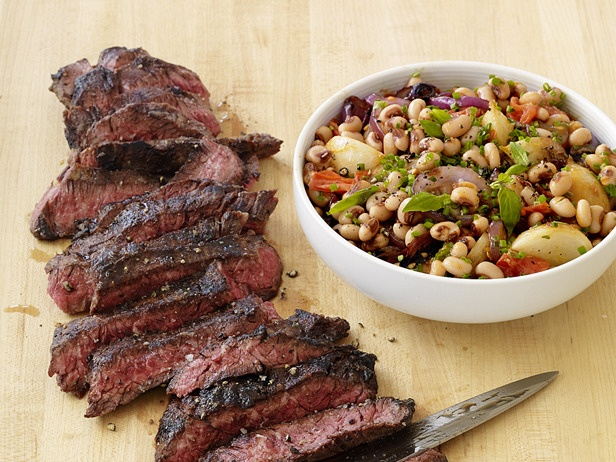 A recipe rich in protein! grilled steak with black-eyed peas recipe! #healthyhair #yum