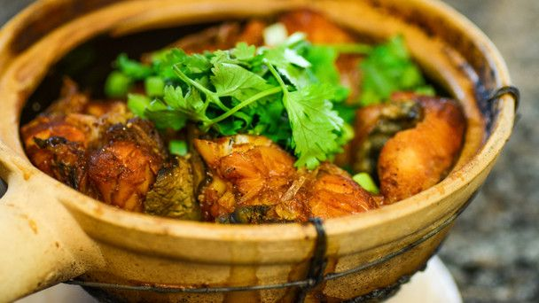 Pin by debbie sterling on vietnamese thai pinterest for Clay pot fish