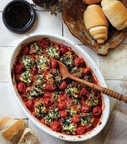 Spinach and ricotta gnocchi baked with cherry tomatoes