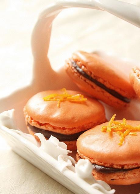 chocolate macaron with orange ganache chocolate macaroons with orange ...