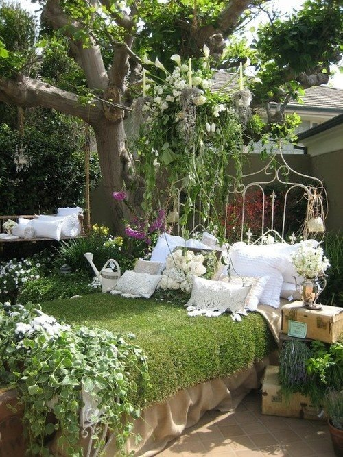 Secret Garden Ideas via Secret Garden Tour 2012 Shabby Chic Garden Bed Shabby Chiccountry Garden Ideas Pinterest