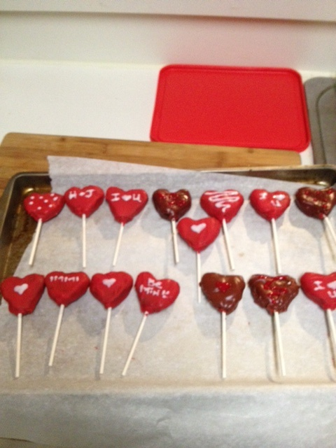 Valentine's day heart shaped brownie pops for the hubs! so easy! just ...
