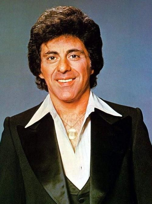 Wish a happy seventy-eighth birthday to Frankie Valli today(May 3rd)! Celebrate by clicking through to a free playlist of his greatest hits.