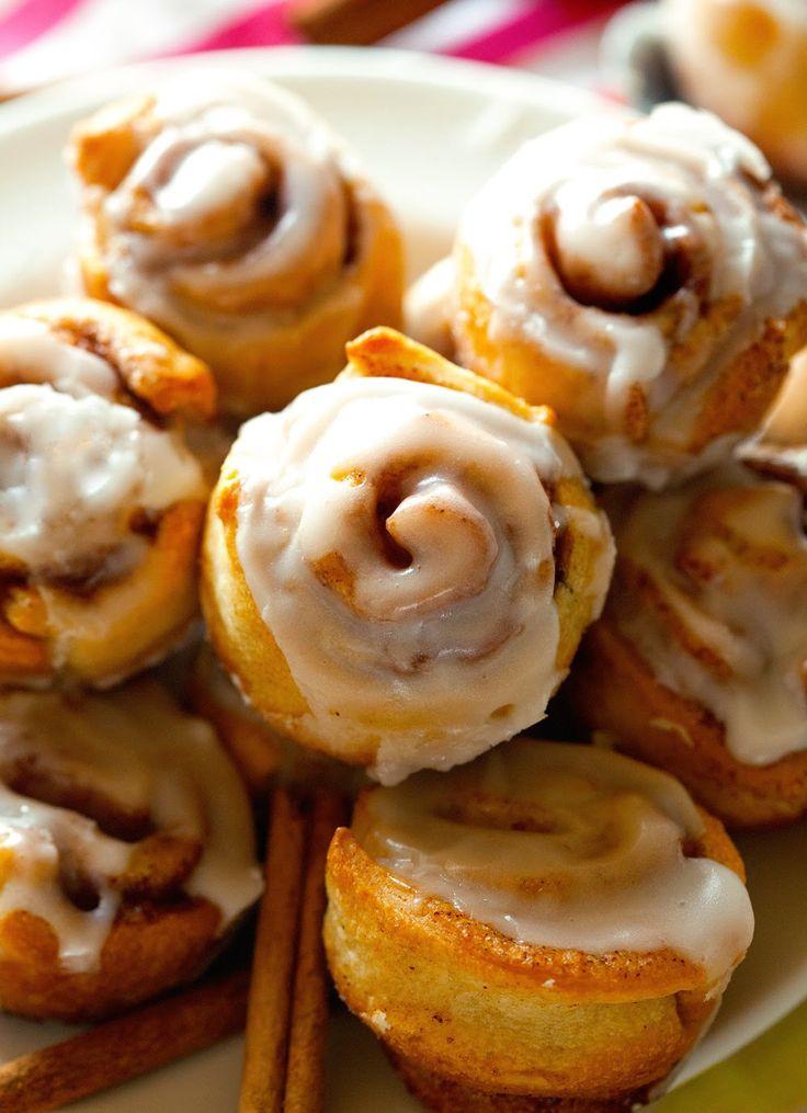 Itty Bitty Cinnamon Rolls | Bread & Roll Recipes | Pinterest