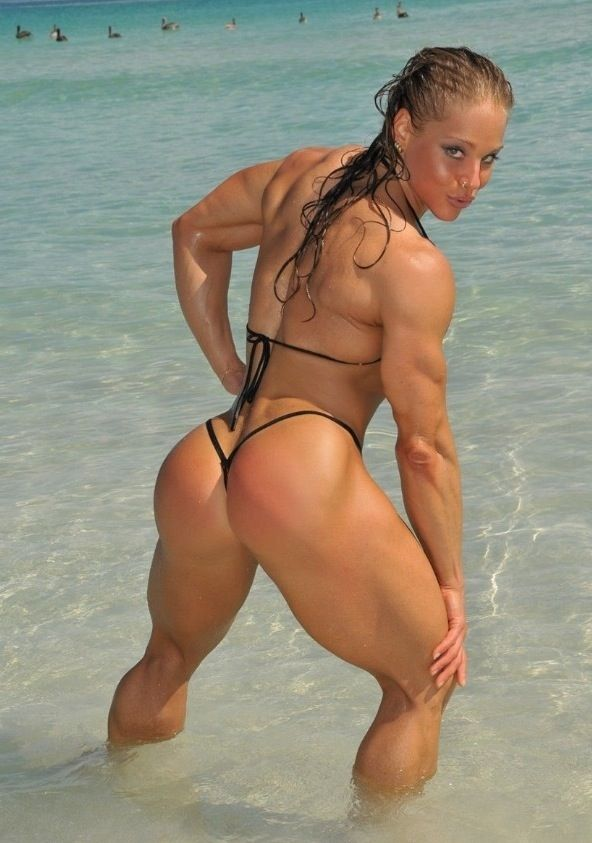 naked muscle girl beach