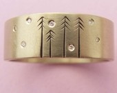 Cute and Pretty  14ct Gold and Diamond In The Pines Wedding Band
