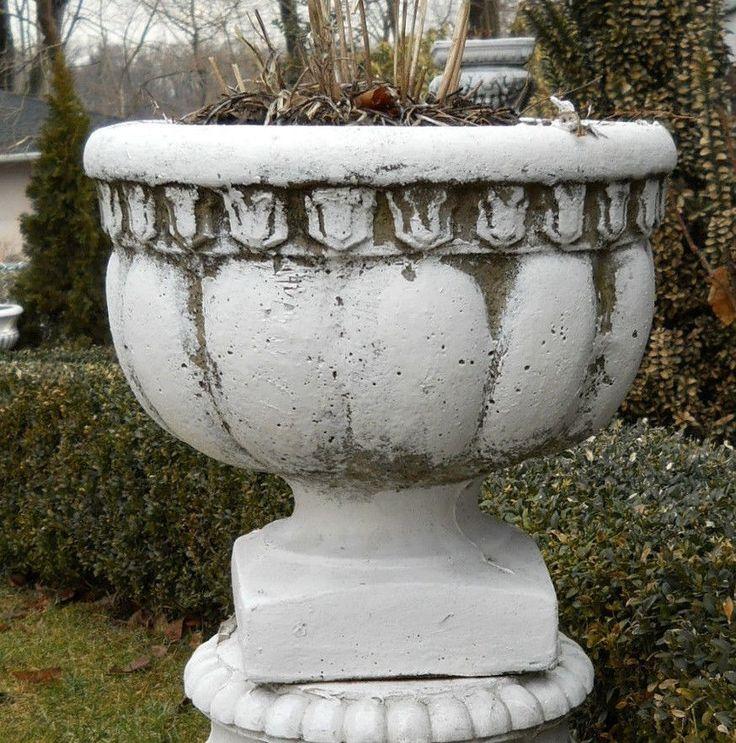 Antique Pair Vintage Stone Concrete Estate Urns Garden 640 x 480