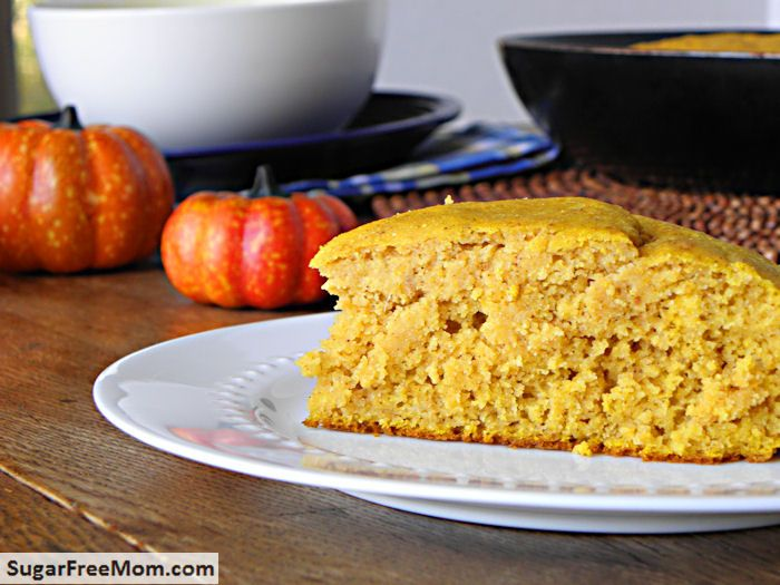 Skillet Pumpkin Cornbread {Gluten & Sugar-Free}. To go with the chilis ...