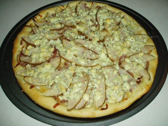 Caramelized Onion, Pear, and Gorgonzola Pizza