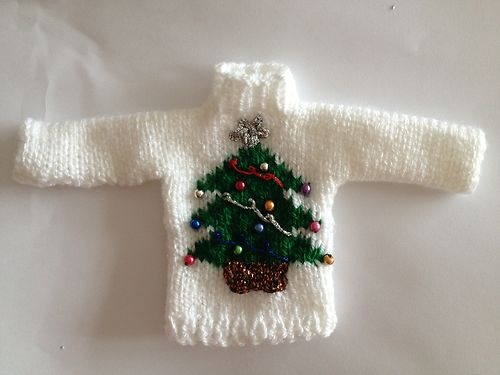 Free Knitting Pattern Dolls Jumper : Pin by Monique Feeley on Barbie Knitting & Makes Pinterest