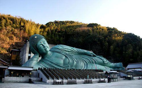 Nanzoin Temple Reclining Buddha.  Japan • 日本  Pinterest