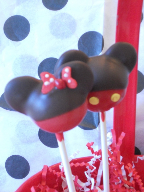 cake pops   Mickey and MinnieMickey And Minnie Cake Pops Instructions