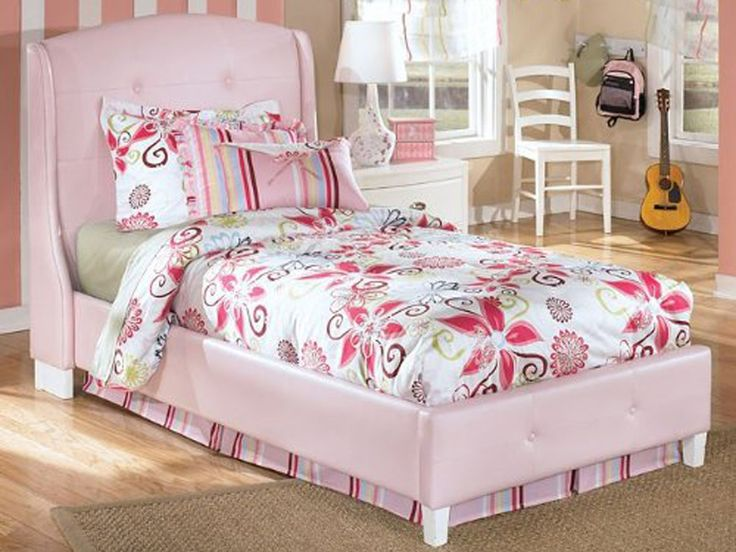 Alyn A Beautiful Pink Setup For A Little Girl 39 S Room