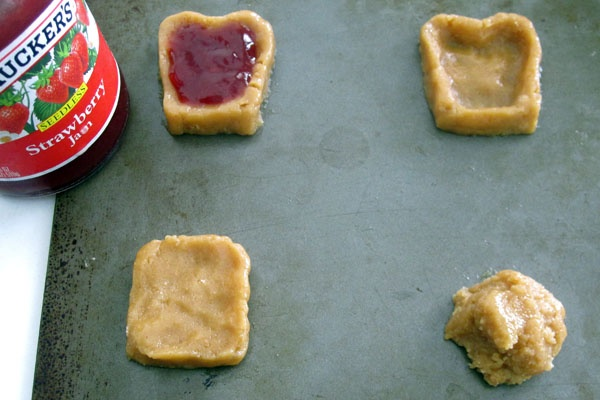 Peanut Butter & Jelly Sandwich Cookies... must do this for Jaden's ...