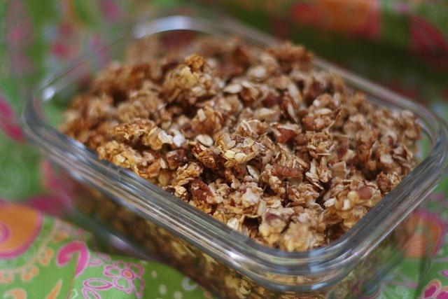 Peanut Butter and Honey Granola | I Love Dessert!!! | Pinterest