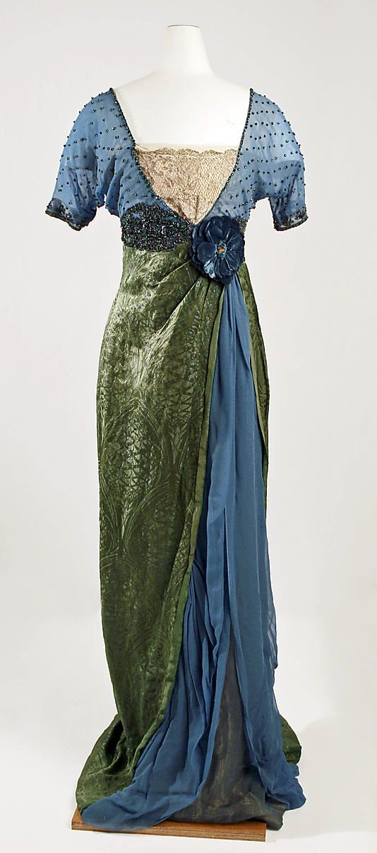 "Evening Ensemble, Jeanne Hallé (French, 1880–1914): 1913-14, French, silk, metallic thread, glass beading. Marking: [label] (a) ""Jeanne Hallée/3 Rue Ville L'Évèque - Paris"""