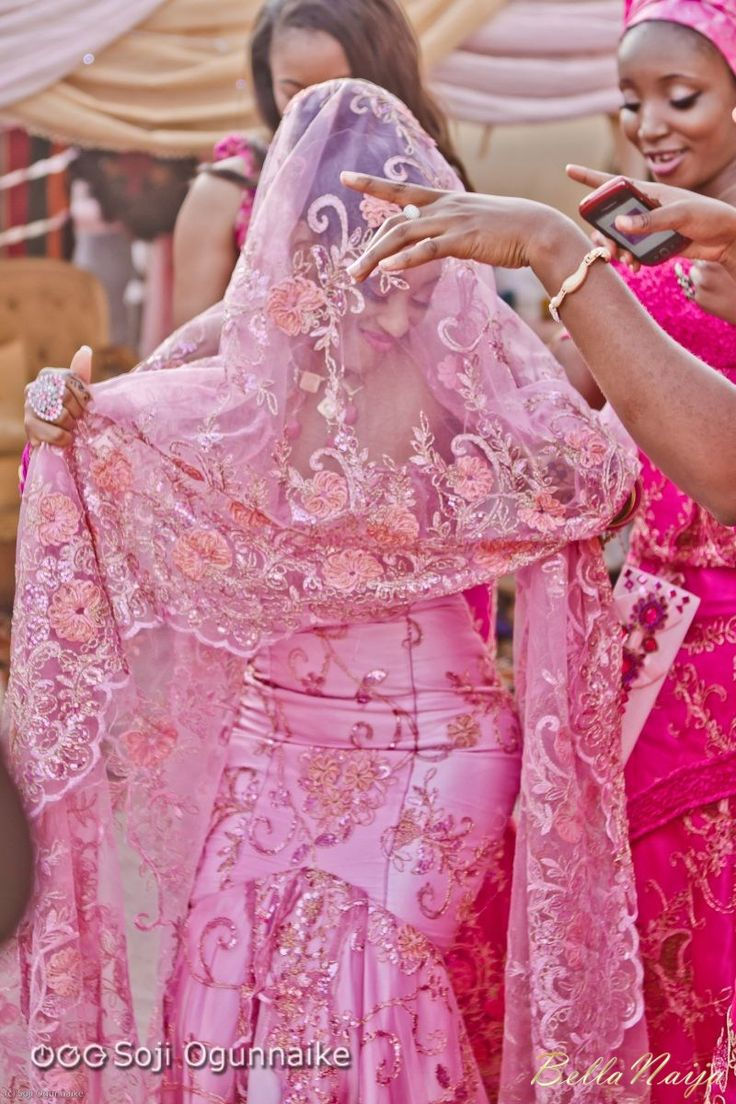 Bride africa traditional international brides pinterest for Nigerian traditional wedding dresses pictures