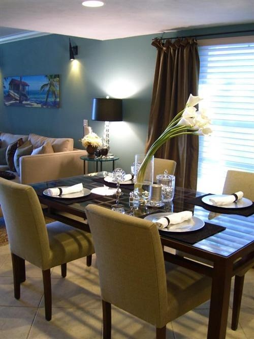 Ritzy Modern living... reminds me of Holly! Great kitchen dining living area!