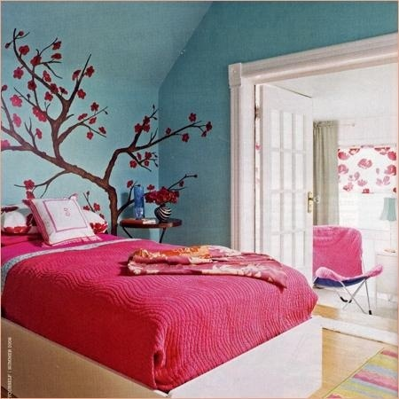 Tween teen room girly but simple kids bedroom ideas for Girly teenage bedroom designs