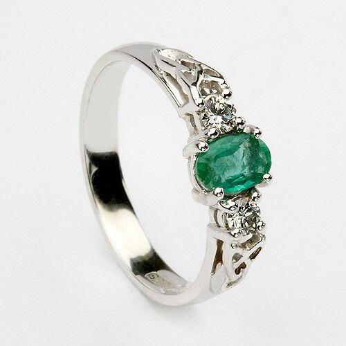 beautiful emerald ring hair and fashion