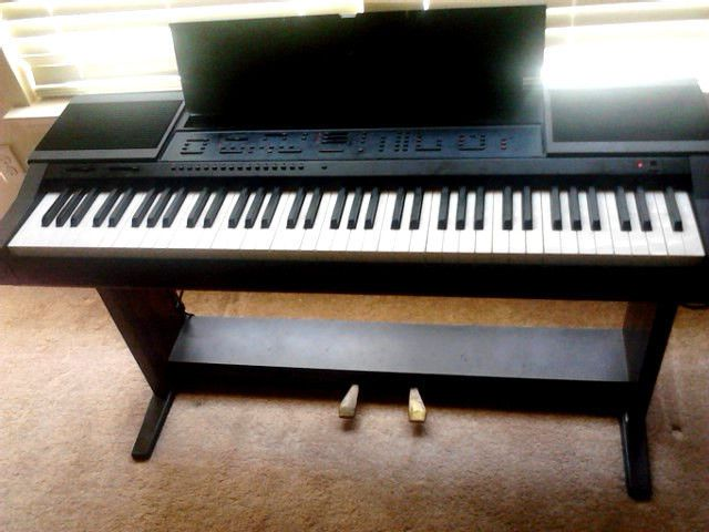 yamaha clavinova cvp 5 electronic piano. Black Bedroom Furniture Sets. Home Design Ideas