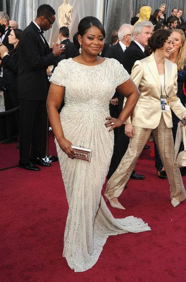 Love how this shows off her curves so beautifully!!  Octavia Spencer