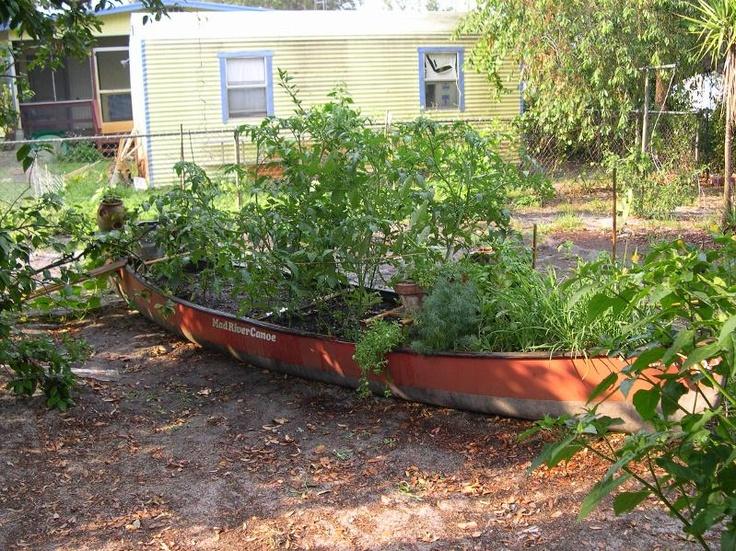 Unique raised garden bed ideas photograph using unique obj for Unusual raised garden bed designs