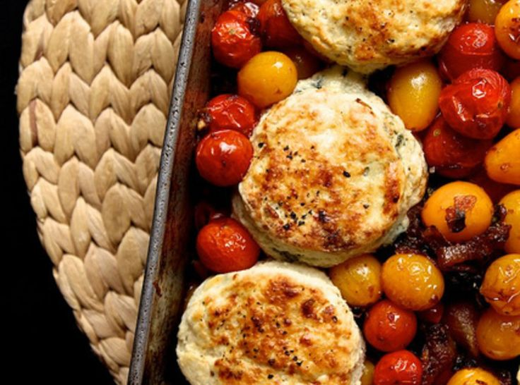 Tomato Cobbler with Blue Cheese Biscuits | food/hot biscuits | Pinter ...