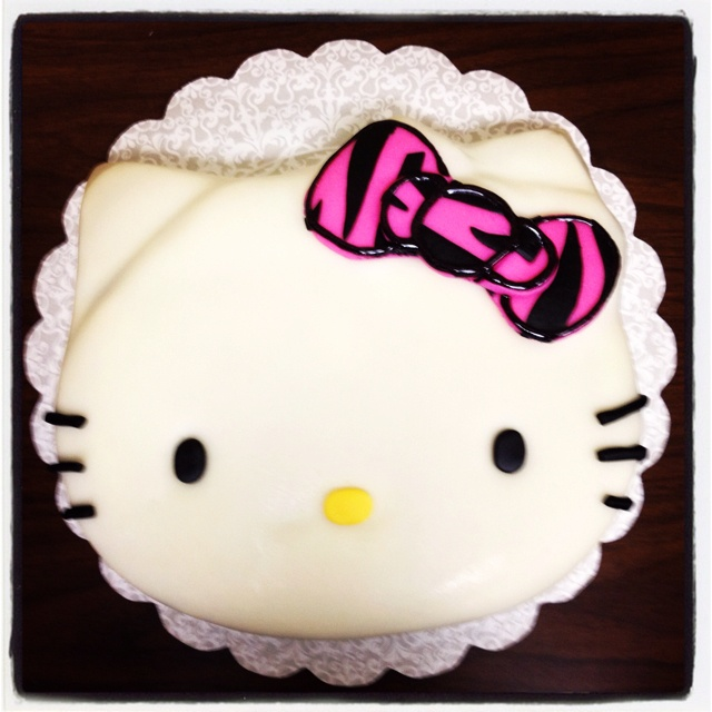 hello kitty cake from my baby shower for e pinterest