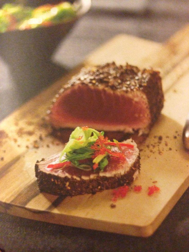 Seared tuna with wakame and ponzu salad pete photo