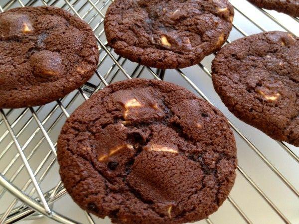 Chocolate White Chocolate Chunk Cookies | Cookies Biscotti Biscuits ...