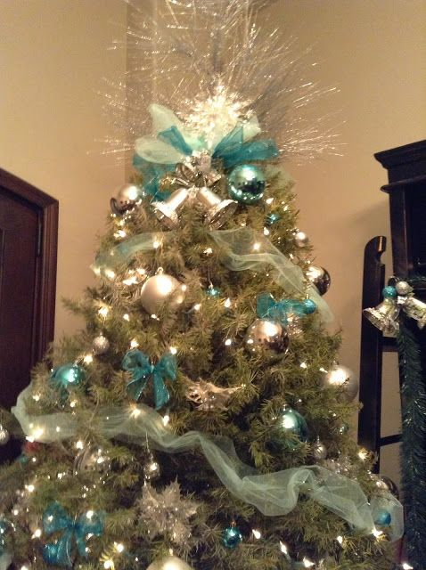 Blue and silver themed christmas tree christmas pinterest - Blue themed christmas tree ...