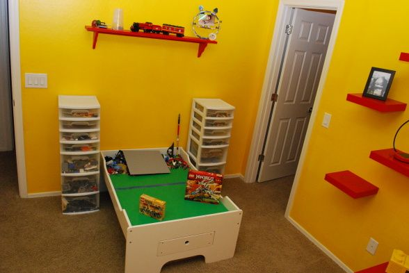 Love the idea of storing legos in storage bins with drawers.