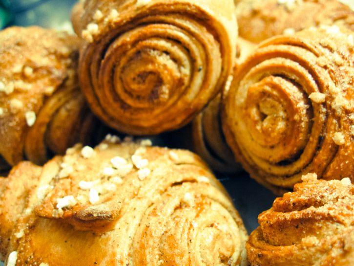Korvapuusti - Finnish cinnamon and cardamom buns :: The Scandinavian ...