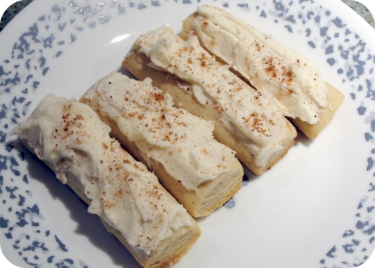Eggnog Logs are my favorite Christmas Cookie:) - I run the tines of a ...