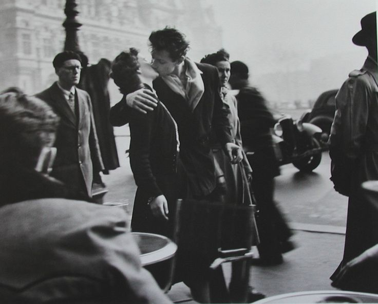Today Google honoured the late photographer Robert Doisneau on what would have been his 100th birthday. The Kiss is probably his most famous picture. 61 years later and it's still a captivating picture