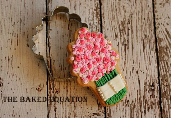 Bridal Bouquet Cookies (using cupcake cookie cutter)