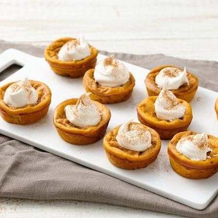 Impossibly Easy Mini Pumpkin Pies | Food I want to make | Pinterest
