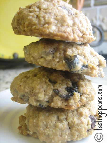 Chocolate Chunk & Dried Cherry Oatmeal Cookies | TastingSpoons