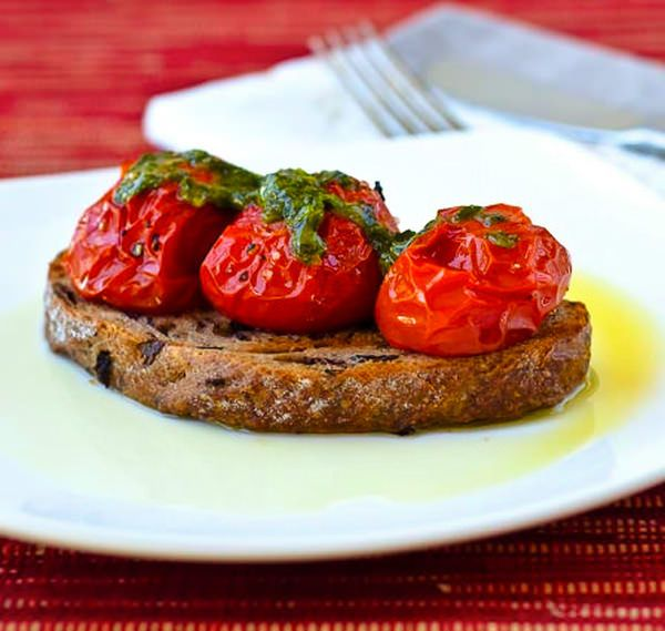 Tomatoes On Toast | DElish - appetizers | Pinterest